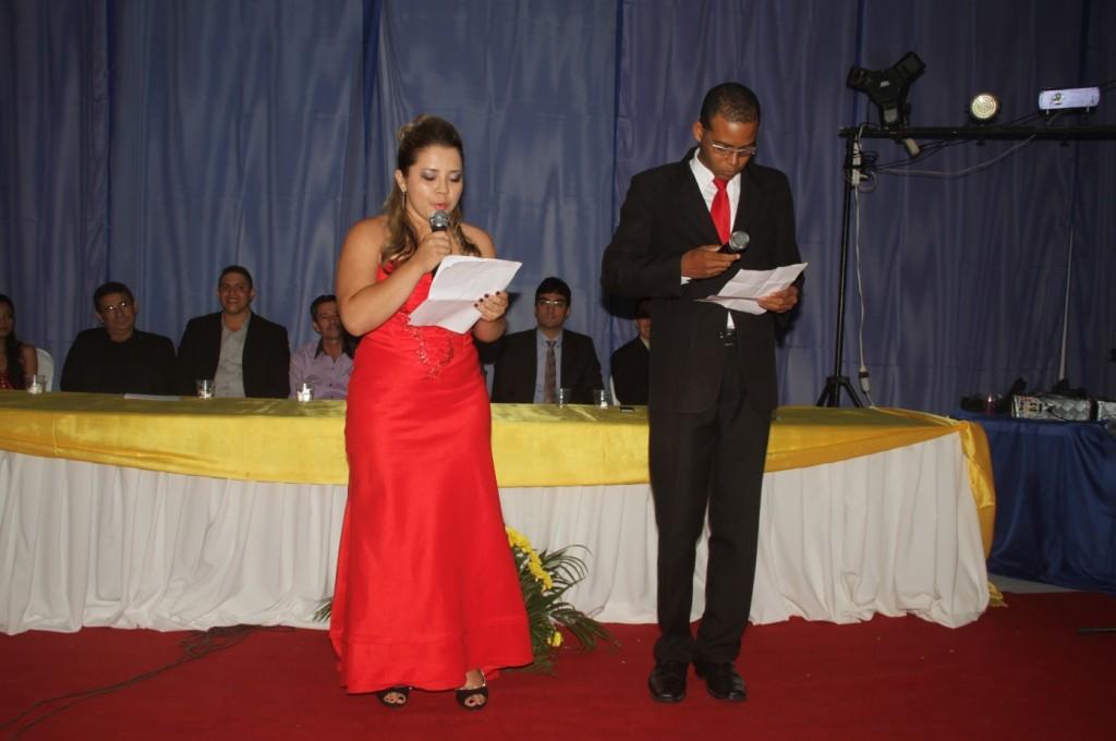 Klicio Patrick Silva Matos e Natalia Thayany Lira da Cruz Sousa, alunos do Curso de Aprendizagem.